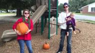 Nathaniel and Elisabeth take their daughters to the playground for Autumn fun and a workout while sporting their Baendit shades.